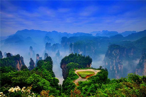 张家界国家森林公园、天子山、袁家界、黄龙洞(三日游)